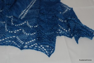 Blocked travelling woman shawl
